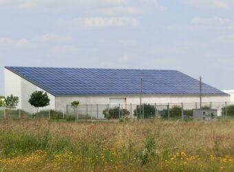 Centrale solaire dans la ville de Aigrefeuille d'Aunis