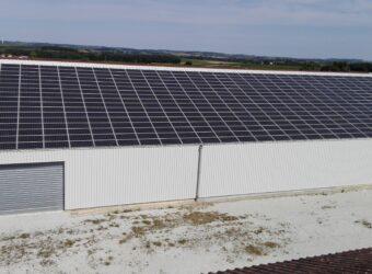 Centrale solaire dans la ville de Barret