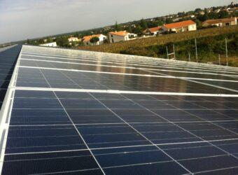 Centrale solaire dans la ville de Vouille