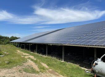 Centrale solaire Les Chomies dans la ville de Brizambourg